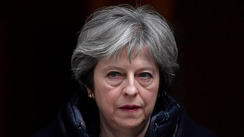 May señala a Rusia como responsable del ataque al exespía y expulsa a 23 diplomáticos