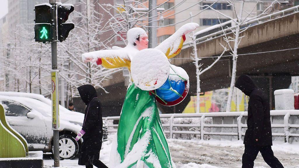 Escultura cubierta de nieve