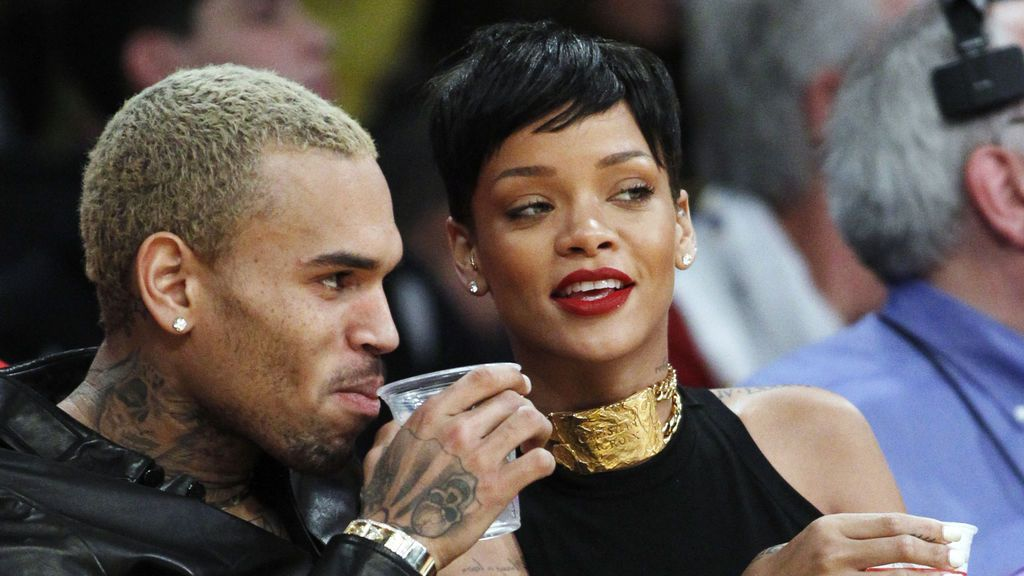 Rihanna arremete contra Snapchat tras la polémica encuesta sobre ella y Chris Brown