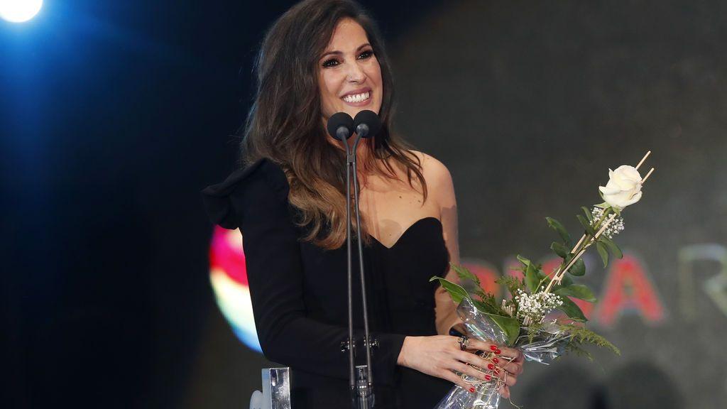 Cumpleaños y premio, el binomio que hizo llorar a Malú en los Premios Cadena Dial