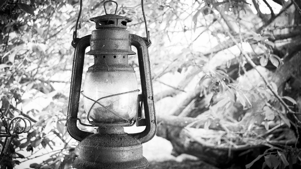 lighthouse-2268327_1920