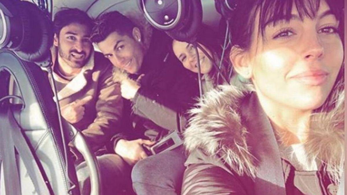 Georgina Rodríguez presume de paseo en helicóptero con Cristiano y sus amigos