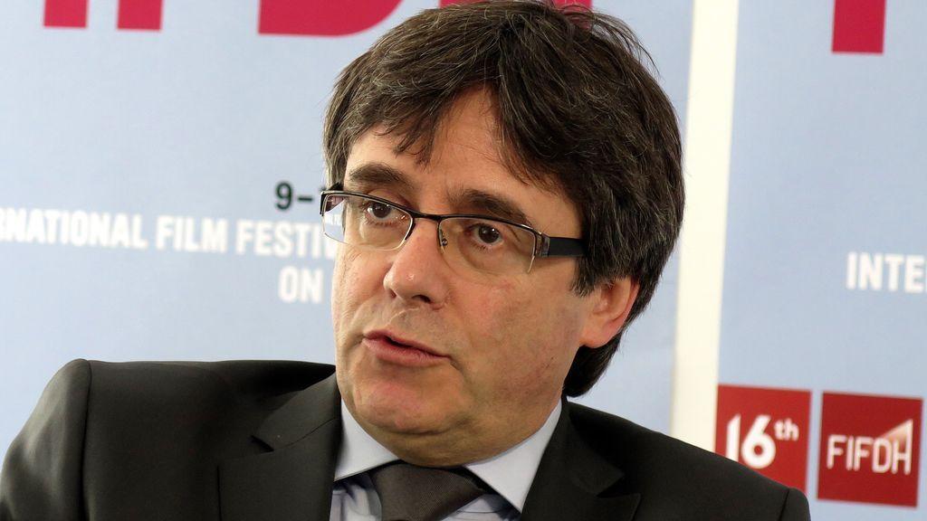 Reaparece en público Puigdemont durante la exhibición de un documental de Cataluña