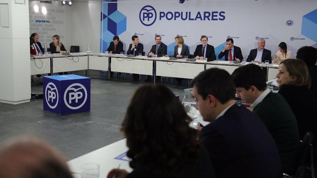 Rajoy pide calma al PP ante las movilizaciones en la calle