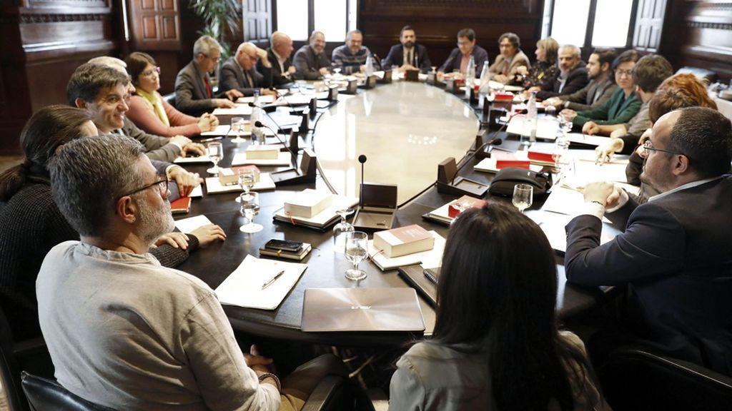 El Parlament tramita la reforma de la Ley de la Presidencia para hacer investiduras a distancia