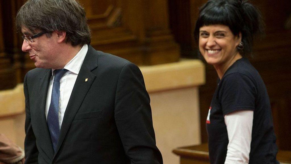 """El PP ve un """"disparate"""" la reunión de Puigdemont y Gabriel en Ginebra"""