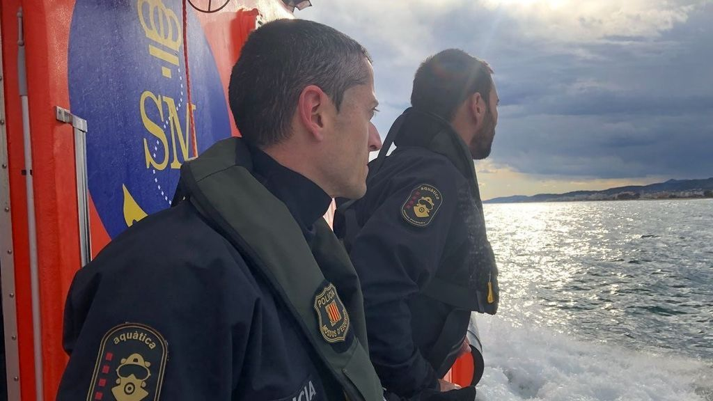 Hallan un cadáver en la costa de Girona donde desapareció un 'kayakista' el sábado