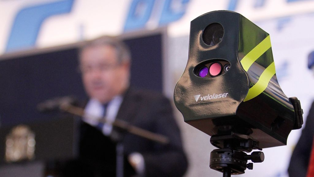 DGT estrena esta Semana Santa 291 patrullas con detectores de alcohol y drogas y 'mini-radares' móviles