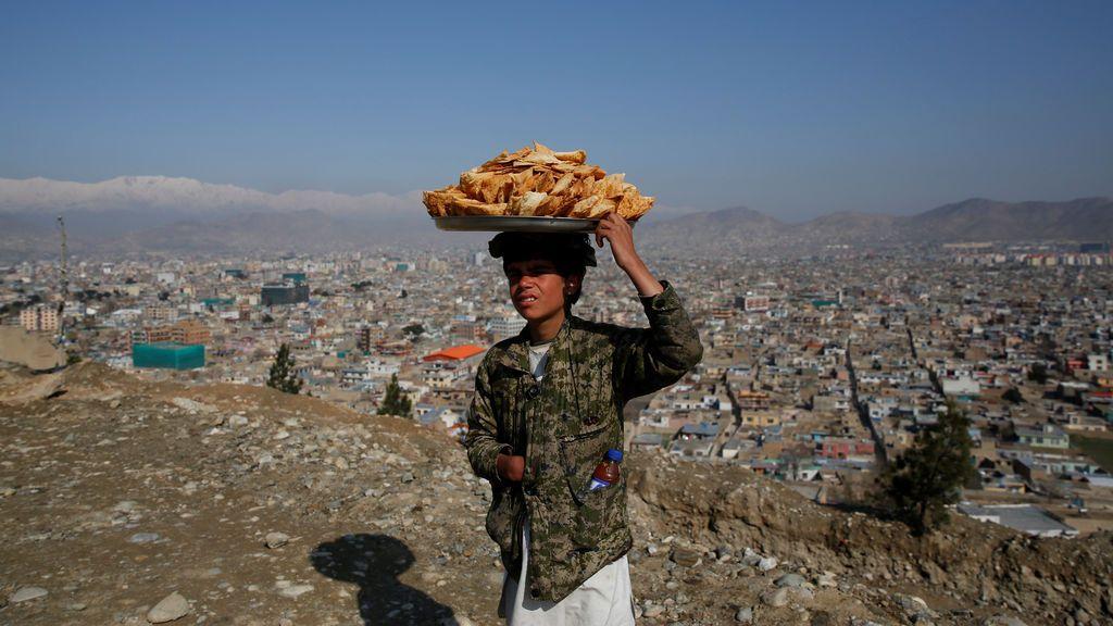 Venta ambulante de bocadillos en Afganistán