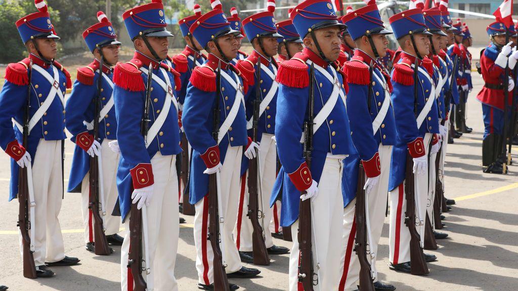 Ceremonia militar en Perú