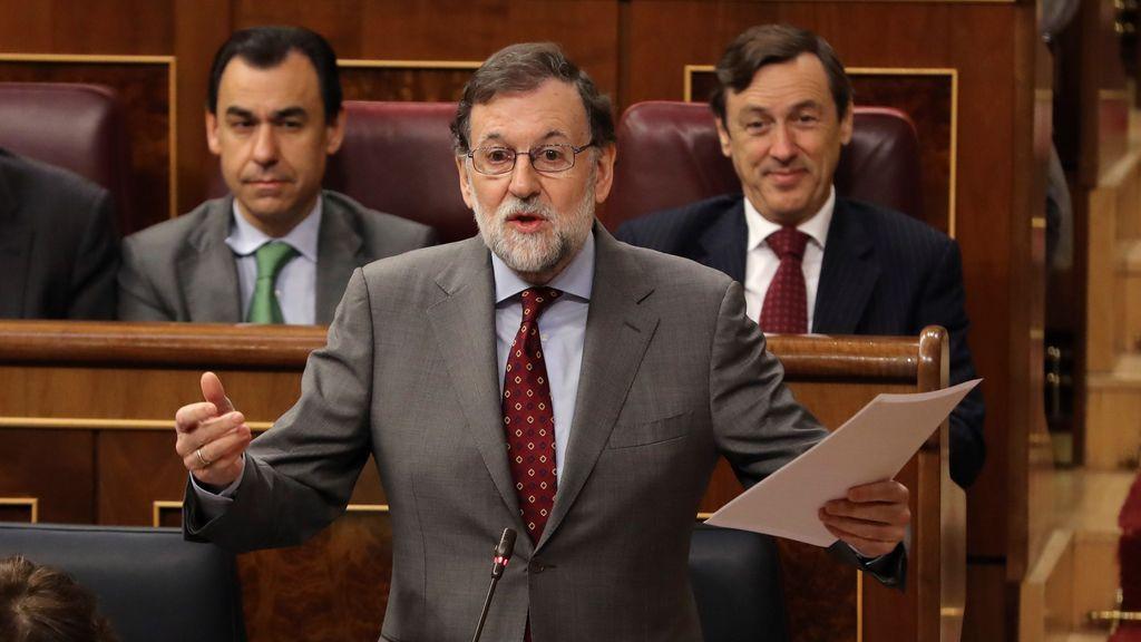 Rajoy advierte al PSOE de que aprobará las medidas sobre las pensiones sin ellos si no hay acuerdo