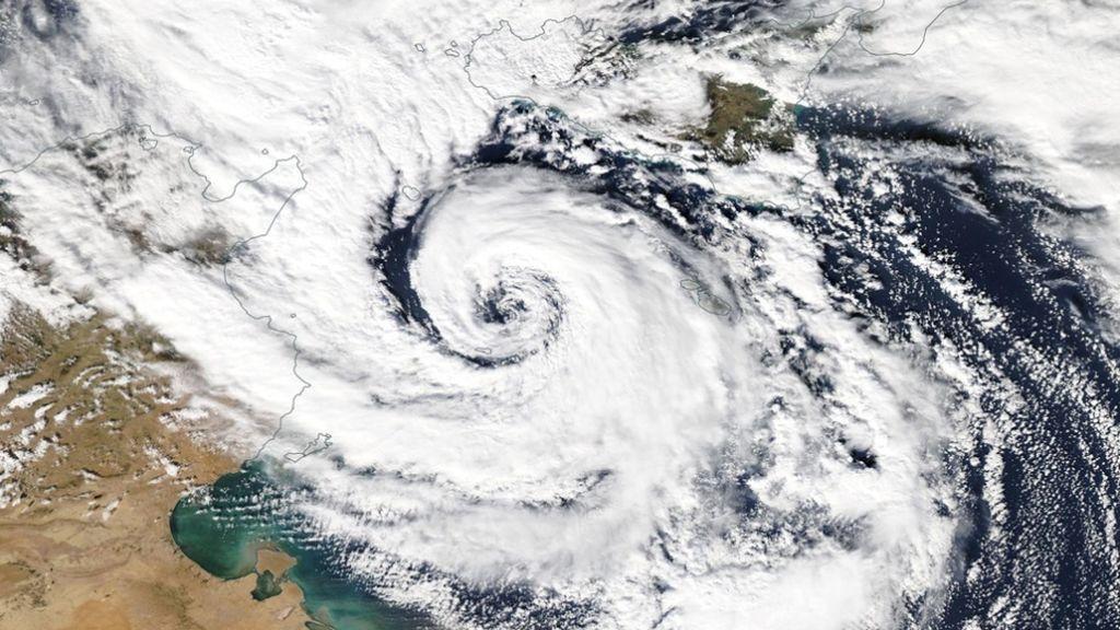 ¡Ciclogénesis explosiva este fin de semana! Vientos de 120 km/h y olas de 9 metros