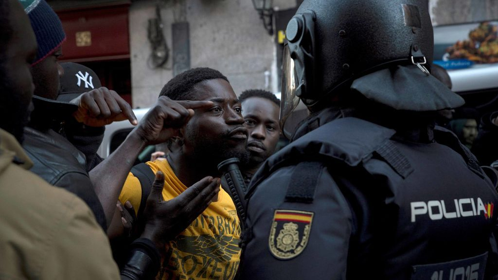 Cinco policías municipales, heridos cuando trataron de identificar a un ciudadano senegalés en Lavapiés