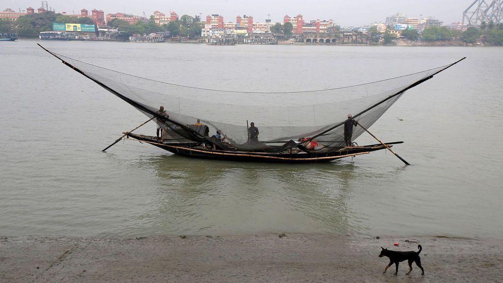 Pesca en un río indio
