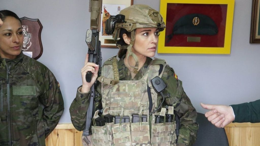 Paula Echavarría interpreta a la sargento primero Martina Ibáñez en 'Los nuestros 2'.