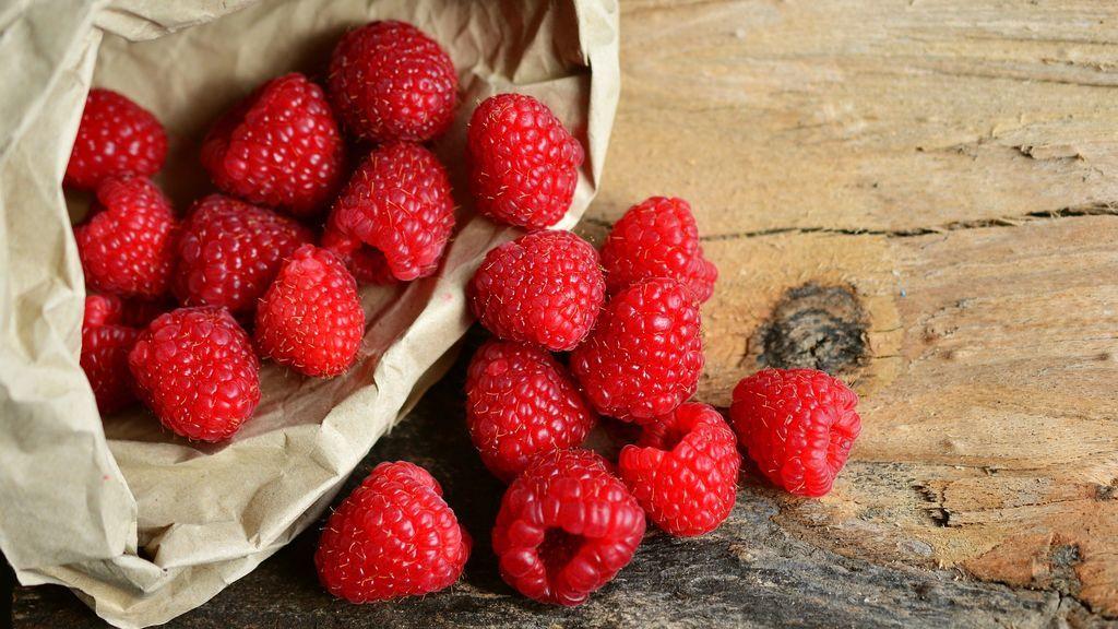raspberries-3188084_1920