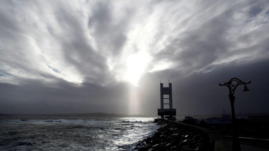 La borrasca 'Hugo' deja vientos de 129 kilómetros por hora y 152 rayos en Galicia