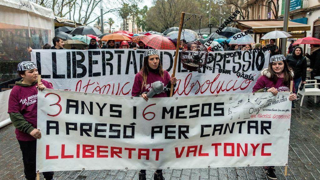Más de 500 personas se manifiestan en Palma para pedir la absolución de Valtonyc