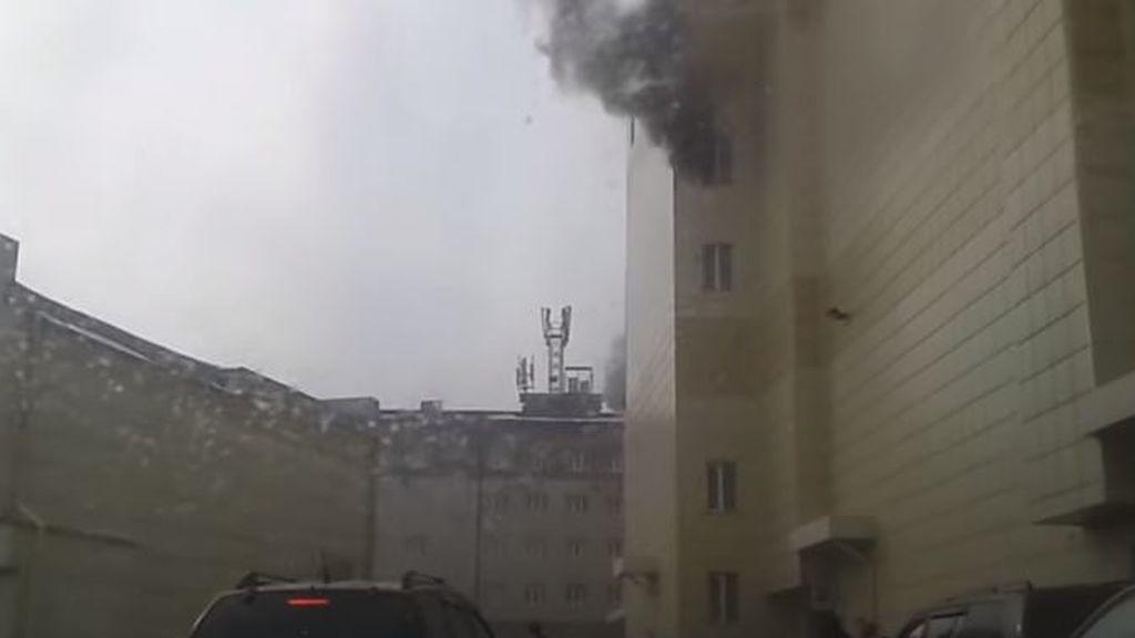 Cuatro niños muertos y otras diez personas heridas por un incendio en Siberia