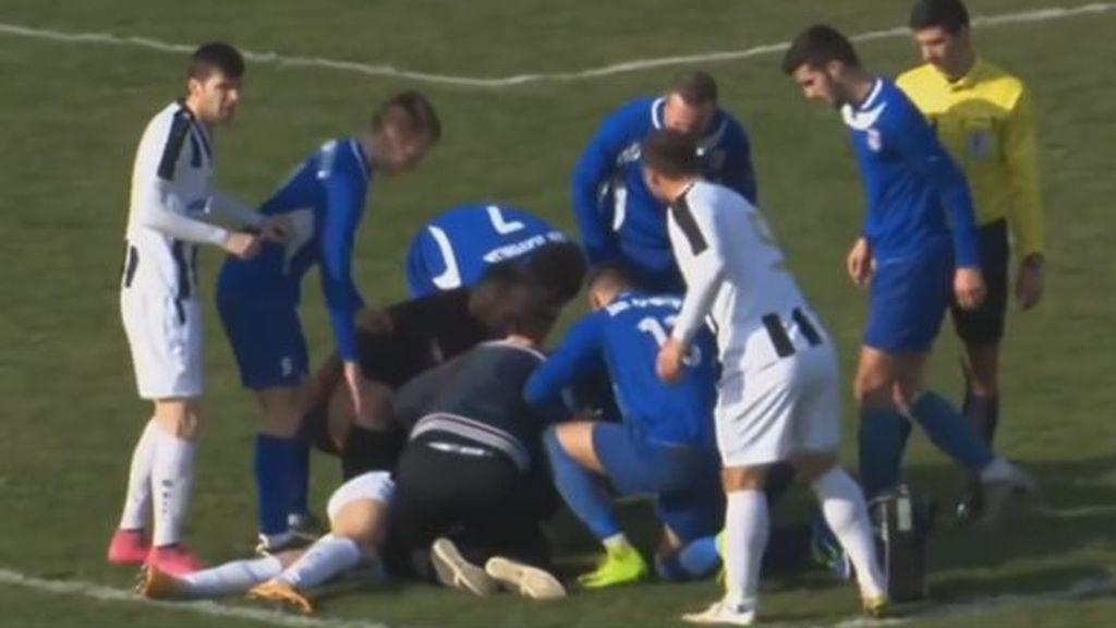 El mundo del fútbol se vuelve a teñir de luto por la muerte de Boban, delantero croata, al desplomarse en el césped