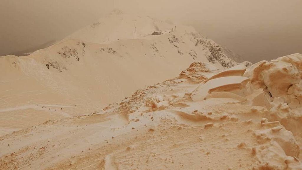 ¿Por qué la nieve se vuelve anaranjada en el este de Europa?