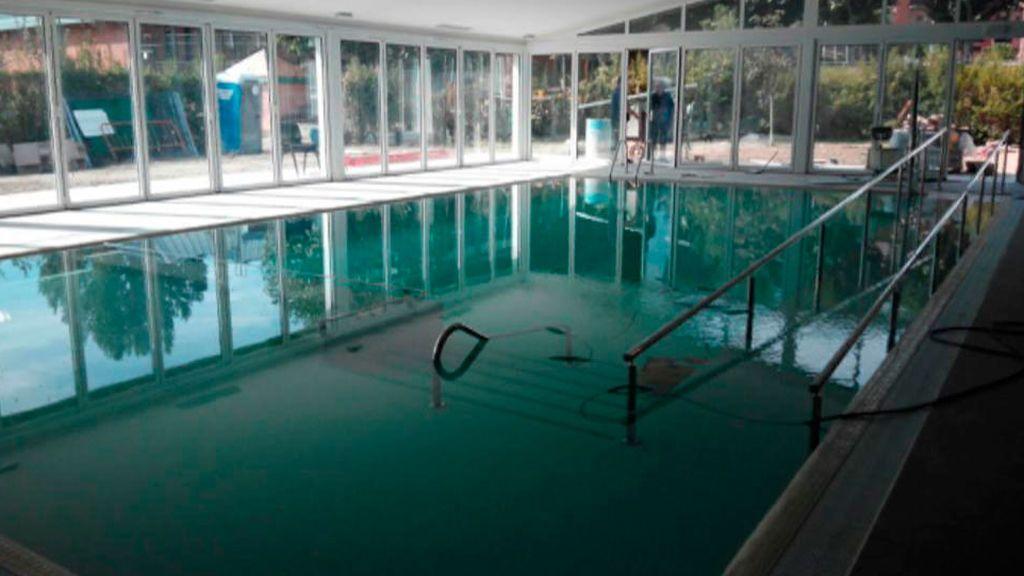 Una juez procesa al director de la piscina de Ripoll y a cuatro monitoras por la muerte de una niña