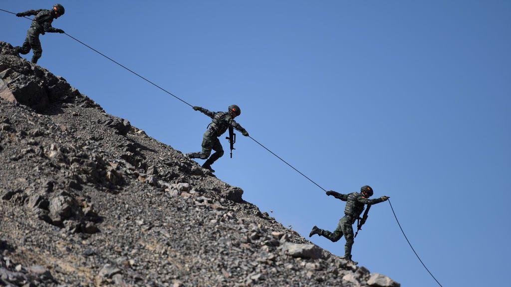 Simulacro durante un entrenamiento militar