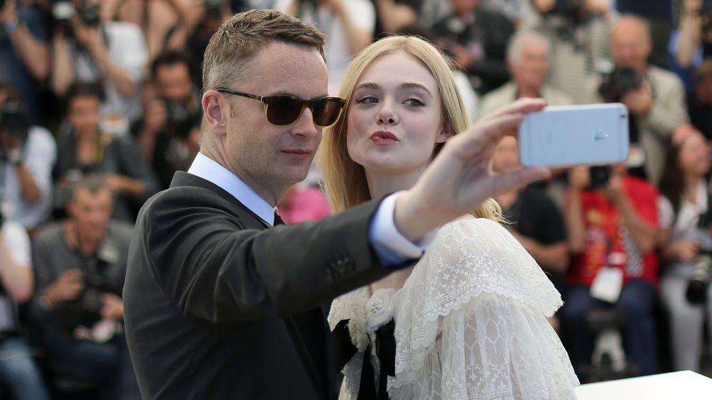 Nicolas Winding y Elle Fanning