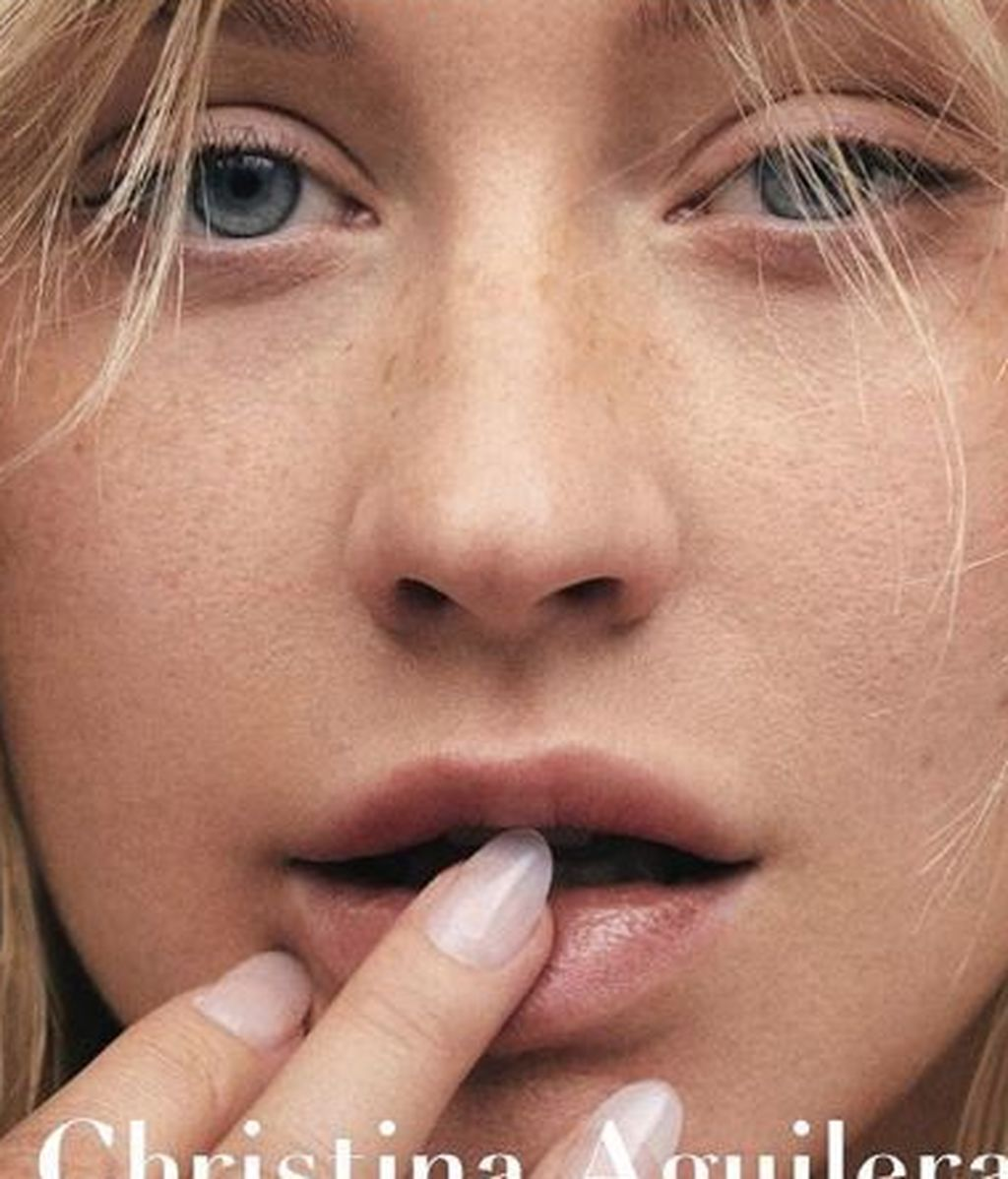 Christina Aguilera reaparece transformada y sin maquillaje
