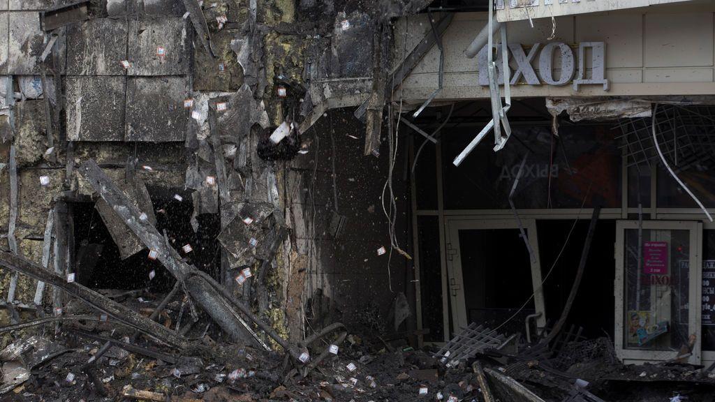 """La gerente del centro comercial de Siberia asegura que el fuego lo iniciaron """"unos chicos que habían sido expulsados por molestar a los compradores"""""""