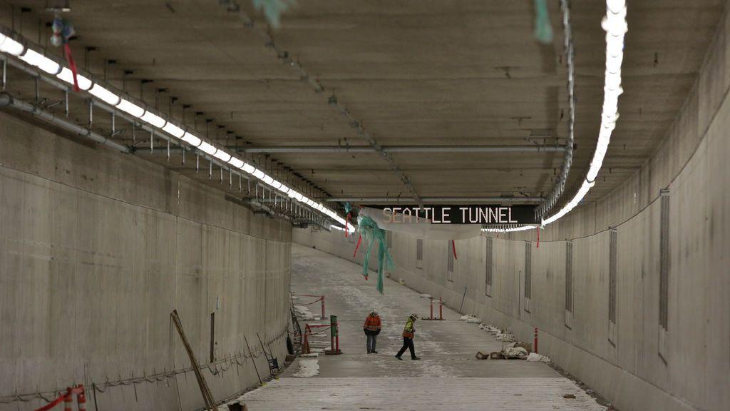 Trabajadores en las obras de un túnel en Washington