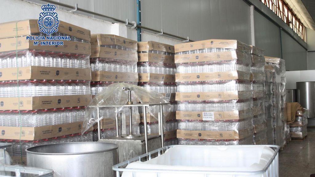 Desmanetelada una destilería ilegal de alcohol en Murcia e intervenidos más de 18.000 litros