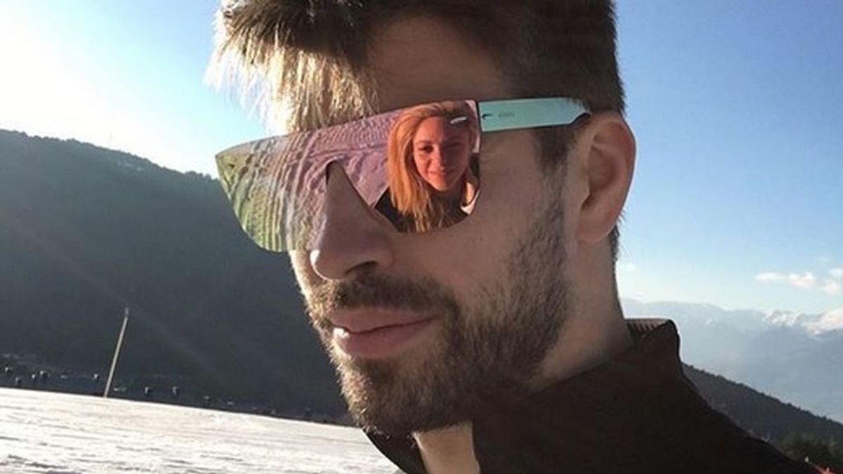Gerard Piqué acalla los rumores de separación con Shakira subiendo una foto juntos de hace un mes