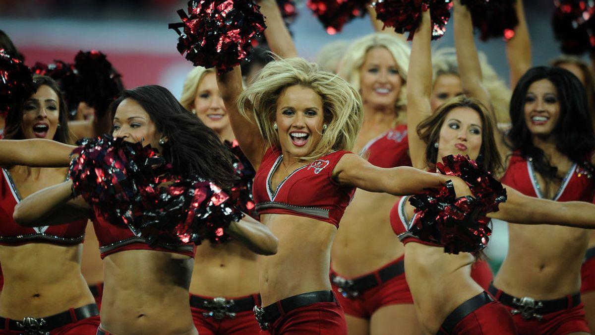 Las 4 normas machistas y retrógradas que deben cumplir las 'cheerleaders' de la NFL