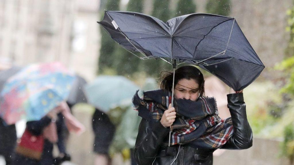 El viento y la nieve ponen en riesgo el norte y este de la Península