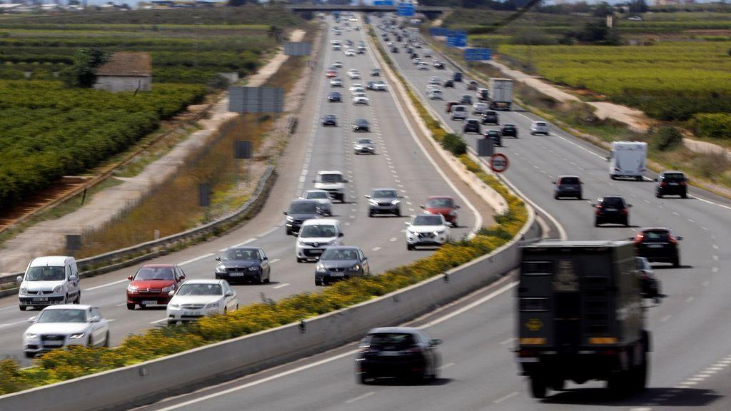Retenciones de varios kilómetros en Madrid, Jaén y Murcia durante la Operación Retorno