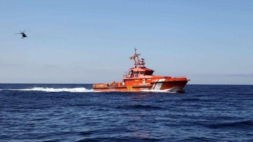 Tres fallecidos en el naufragio de una patera en el Estrecho