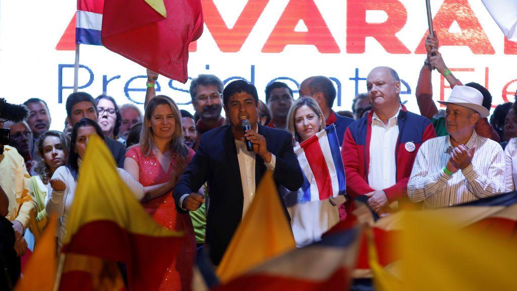 Victoria de Carlso Alvarado Quesada en las presidenciales de Costa Rica