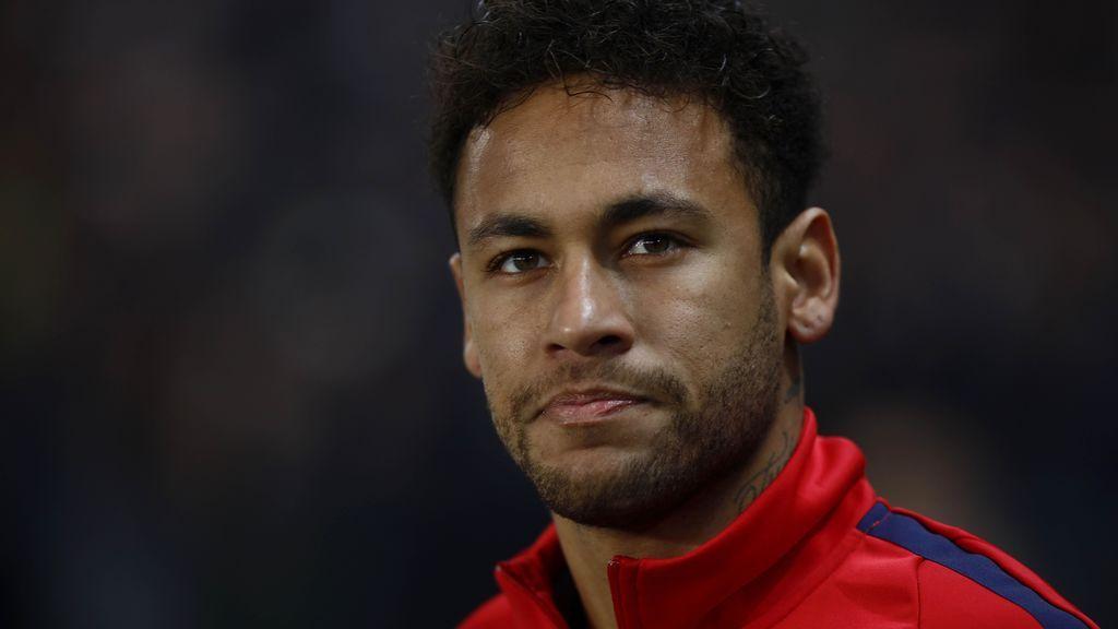 Neymar se pone la camiseta del Flamengo y la lía en las redes sociales