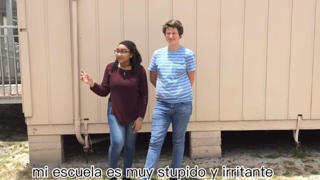 No sé qué nota les pondrían a estos alumnos de español pero Yasss le da sobresaliente