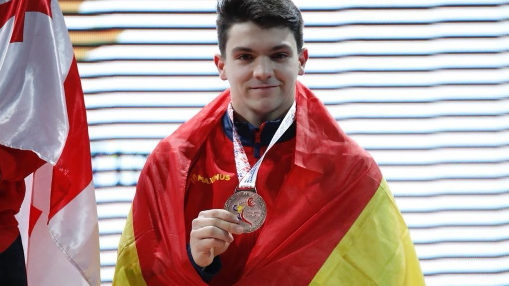 "Alberto Fernández, bronce europeo en halterofilia: ""Es un subidón ir fuera de España a competir"""