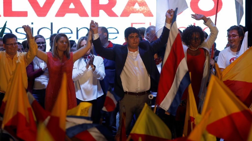 Carlos Alvarado gana las elecciones presidenciales de Costa Rica