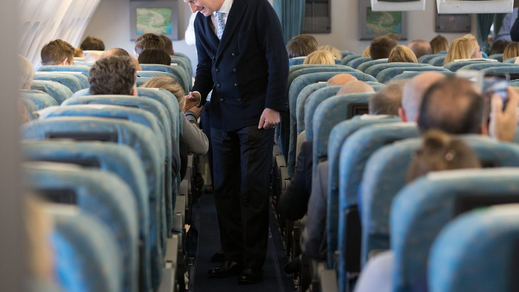 Los mejores asientos para dormir en un avión y sentir menos las turbulencias