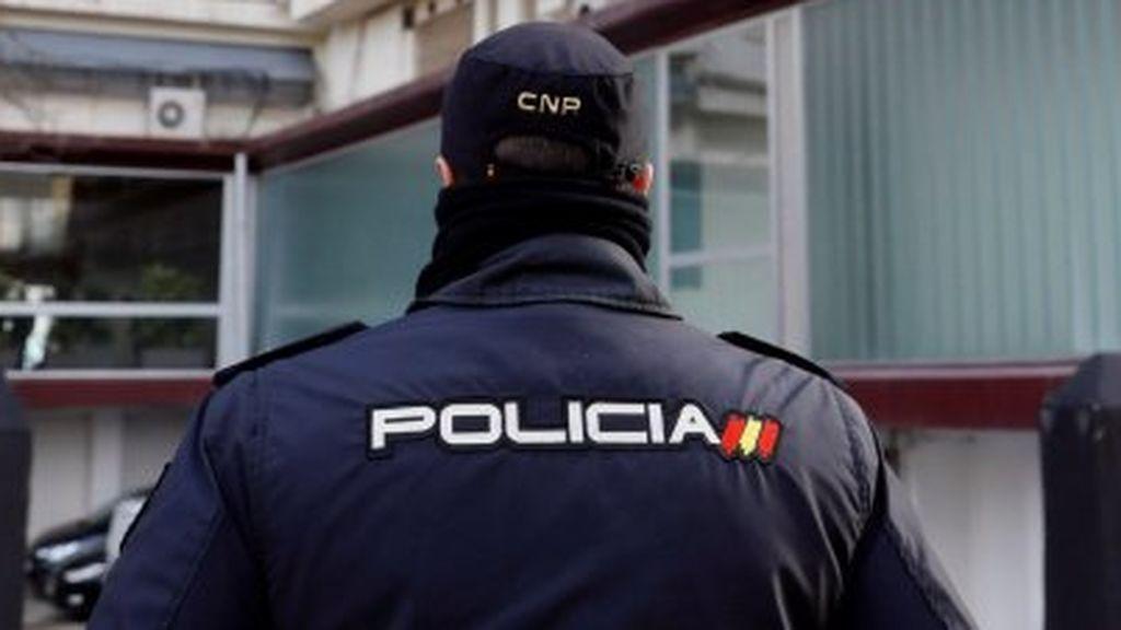 Detenido un vecino de Gijón por cortarle el cuello a otro con un cuchillo