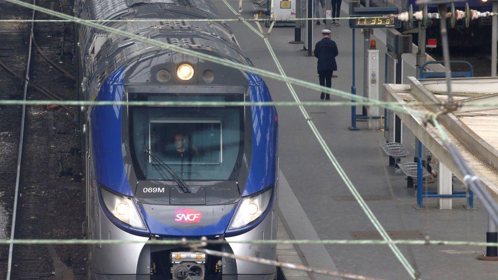"Francia:  Se paran los trenes  por la huelga ""masiva"" de ferrocarriles"