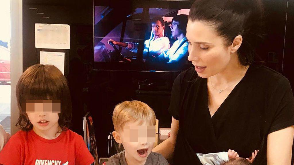 La primera foto íntima de Pilar Rubio con sus tres niños en 5 detalles