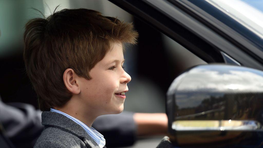 Un nieto de Isabel II es 'cazado' conduciendo con 10 años