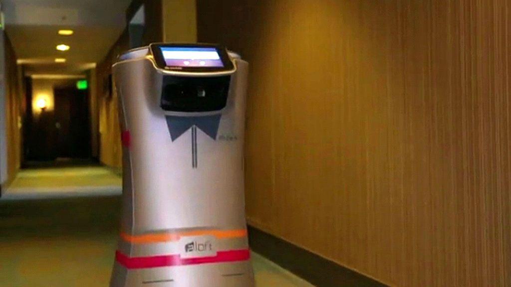 Botlr, el robot que te atiende en los hoteles de Silicon Valley