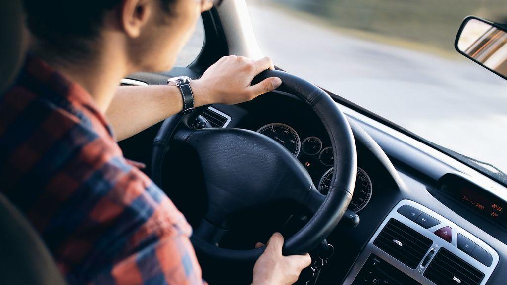 La Policía de Vigo propondrá que un reincidente por conducir sin carné aprenda a leer para sacárselo