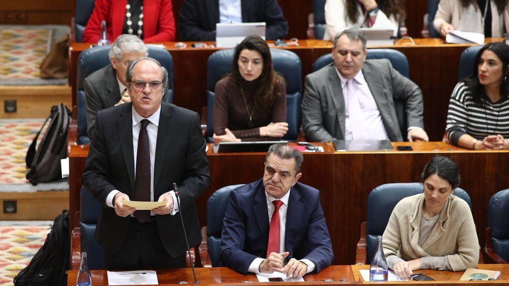El PSOE presenta la moción de censura contra Cristina Cifuentes